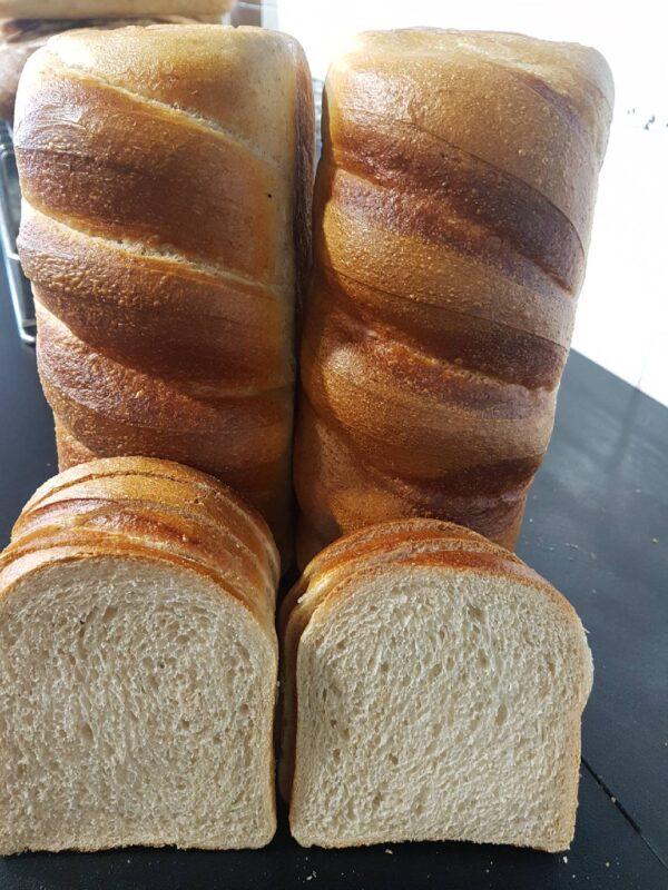organic white spelt loaf